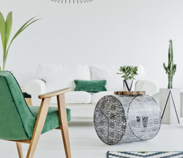 https://cote-energie.fr/wp-content/uploads/2019/08/home-interior-with-green-chair-PSL3B3F-370x320.jpg